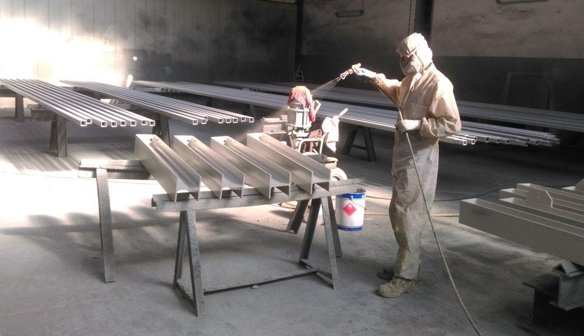 Malowanie elementów konstrukcji